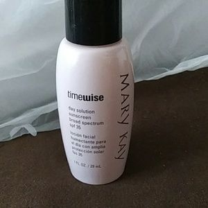 Mary kay timewise day solution